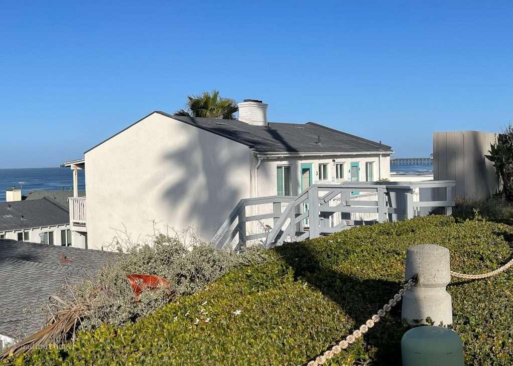 Exterior of Pacific Villas & Bungalows in Oceanside, California