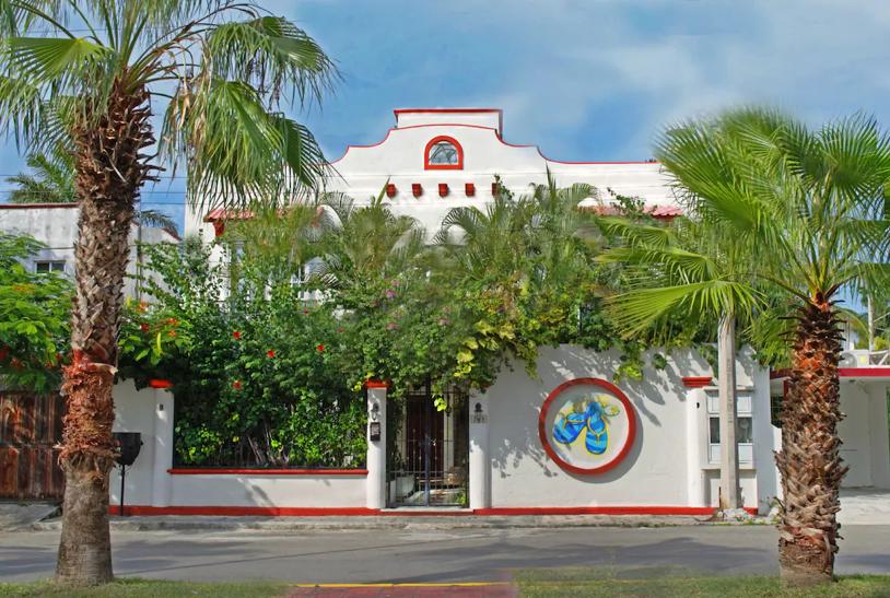 Exterior of Villa Zaztun, a vacation rental in Cancun