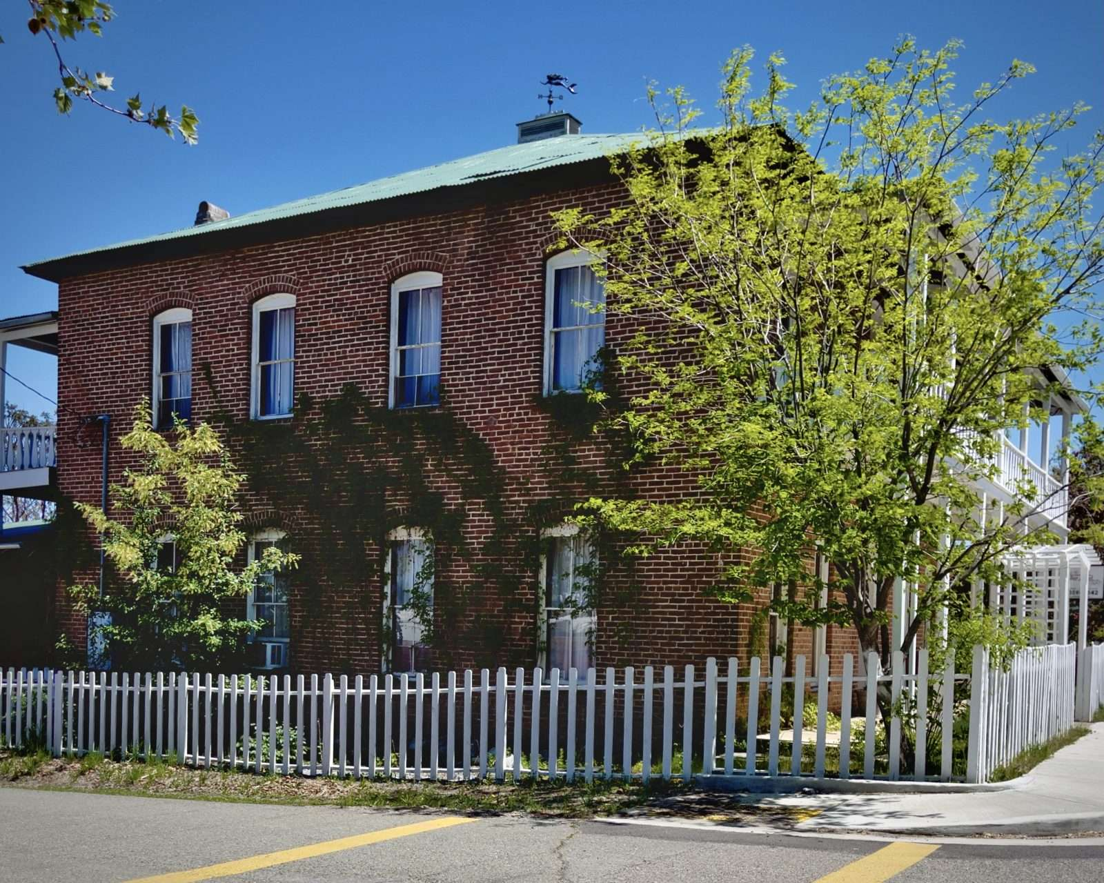 Collier Hotel vacation rental in Etna, CA