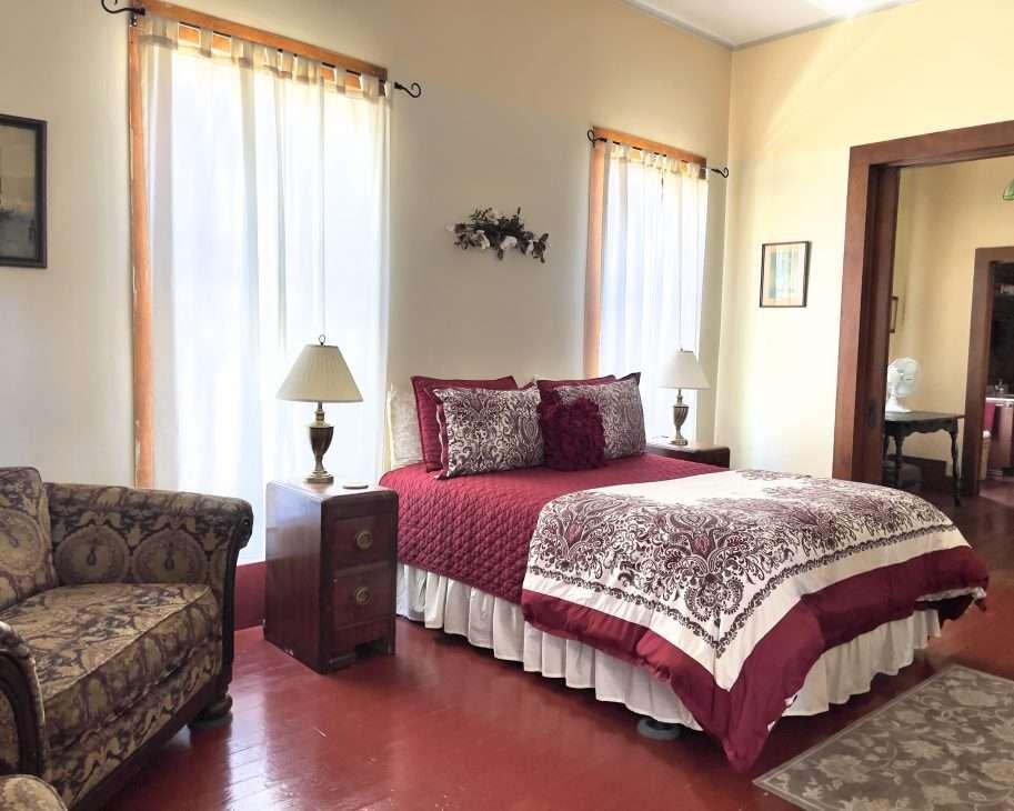 bedroom at Collier Hotel in Etna, CA