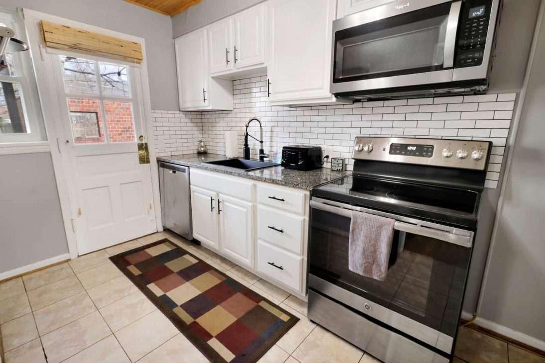 Columbus, Ohio Vacation Rental kitchen